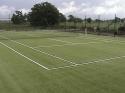 Műfüves teniszpálya